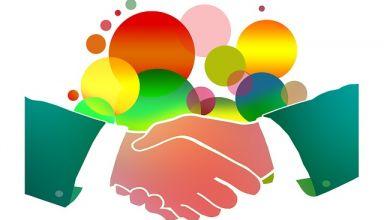 shaking-hands-1018096_640